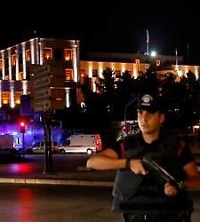 __225x250_policias-ankara-golpe-estado-reuters