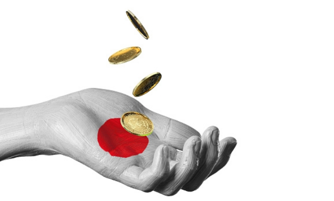 japon-mano-monedas
